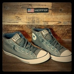 Converse 9.5 very clean. Worn once.